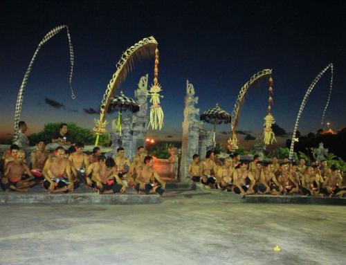Bali – Pura Luhur Uluwatu i Kecak Dance;-)